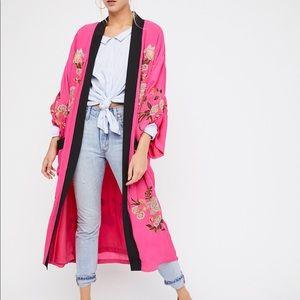 Sale💫NWOT Free People embroidered Kimono